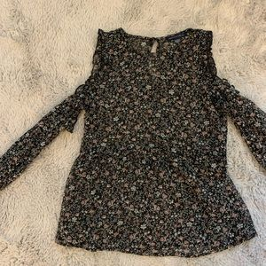 AEO: black & floral cold shoulder blouse w/ ruffle